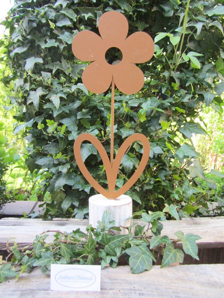 Garten deko figur blume rost look deko garten 33cm shabby for Japanische deko garten