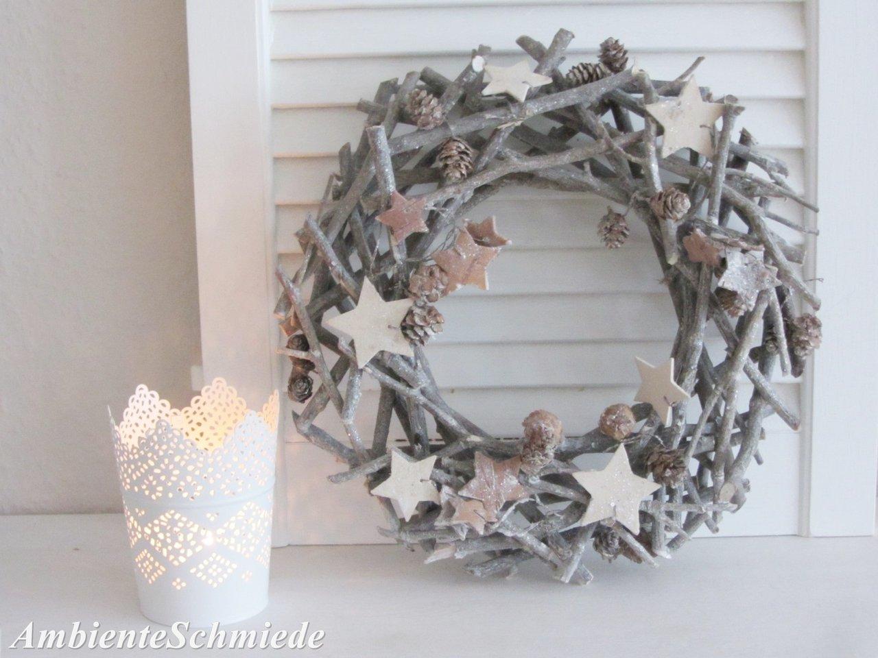 zapfen kranz t rkranz holz sterne grau wei 30cm deko winter weihnachten shabby ambienteschmiede. Black Bedroom Furniture Sets. Home Design Ideas
