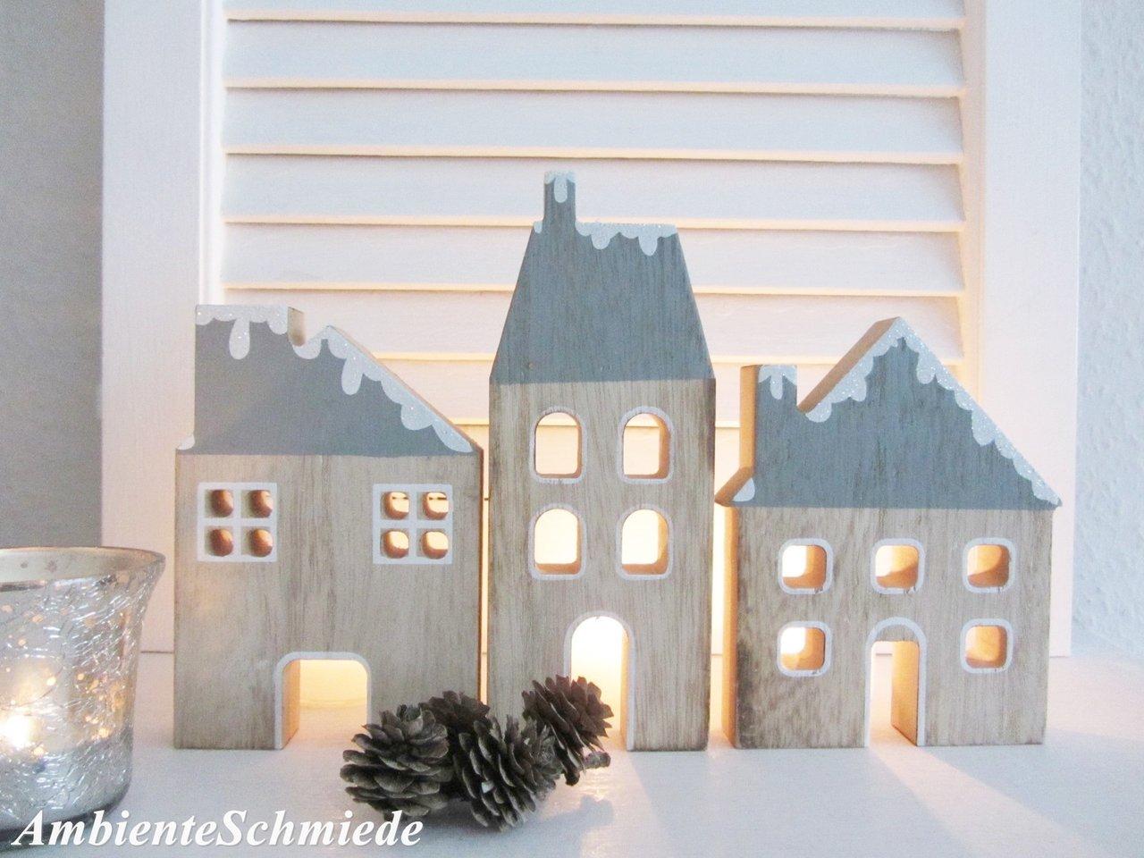 holz haus haus fassade h user kulisse lichterhaus 3 tlg deko weihnachten skandi m ambienteschmiede. Black Bedroom Furniture Sets. Home Design Ideas