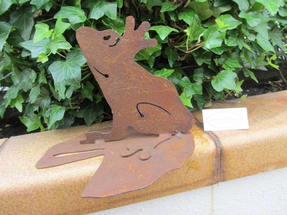 rostfrosch froschkönig auf seerosenblatt gartendeko mini